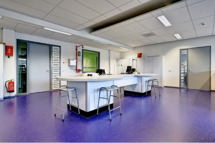 Chemical resistance flooring system for clean rooms