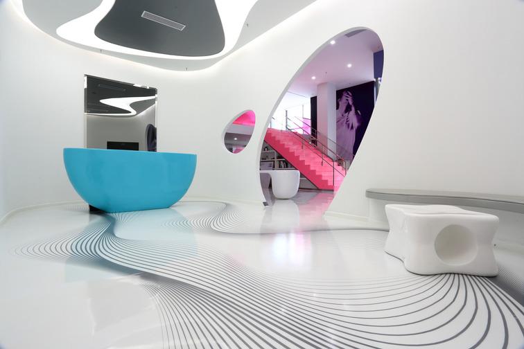 Decorative, seamless resin floor systems for creative flooring design.