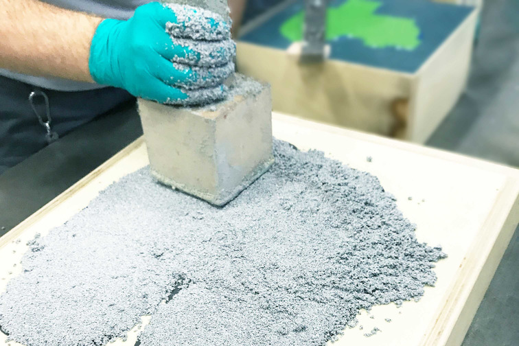 Polyurethane backfill casting